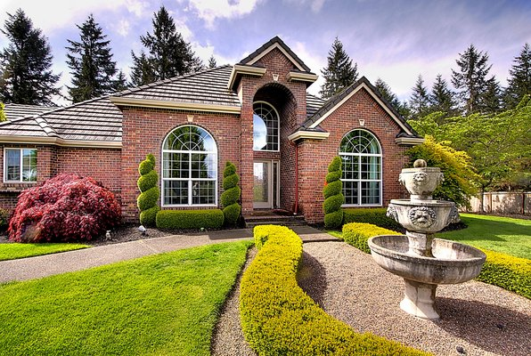 Stunning Luxury Home!  *Bedington* in REmilitary