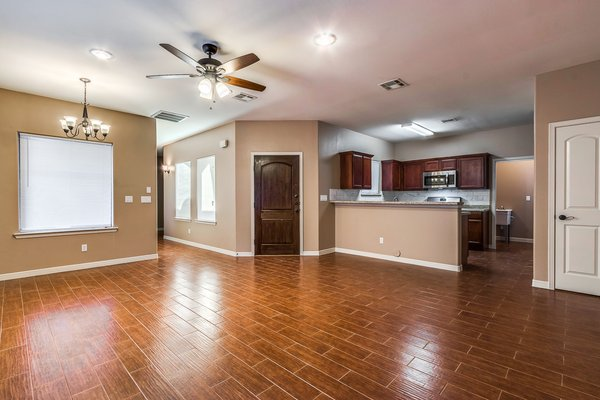 Beautiful Single Story Home in Socorro in REmilitary