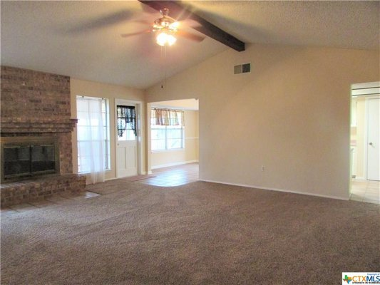 Seguin, Texas! 3/2! Fireplace! Fenced! in REmilitary