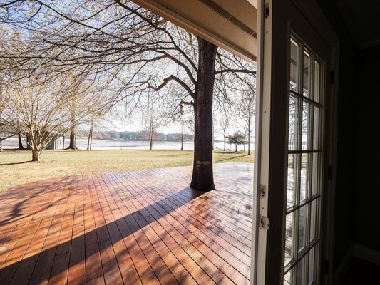 Gorgeous waterfront home on Vernon Lake! in REmilitary