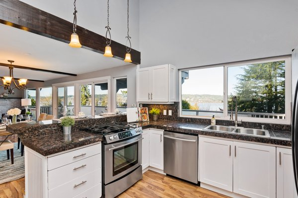 NEW LISTING: 4 BR View Home in Gig Harbor in REmilitary