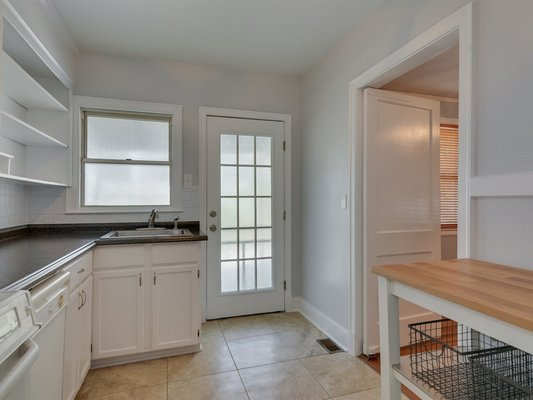 Cute cottage has 3 bedrooms and hidden surprises! in REmilitary