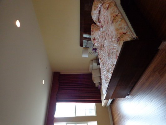 Move In Special! Executive Home, Close to All in REmilitary