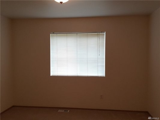 You'll love this layout with fabulous location! in REmilitary