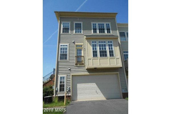 10509 BRISTOW STATION DR, BRISTOW, VA 20136 in REmilitary