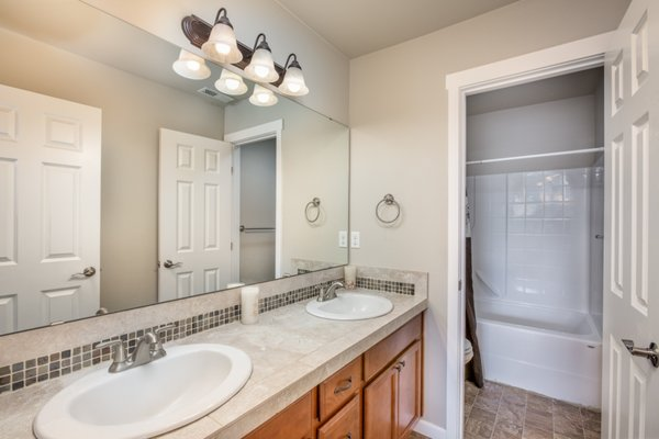 Charming Home in Allen Estates!! 360th in REmilitary