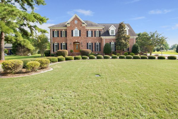 Stunning Baywood Home! in REmilitary