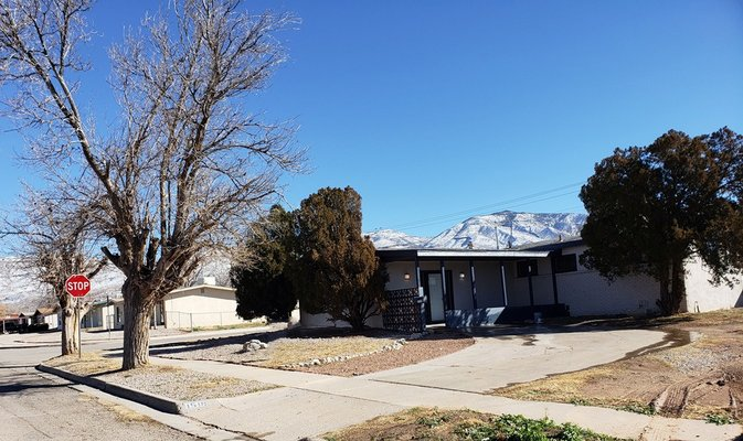 1518 Mountain View in REmilitary