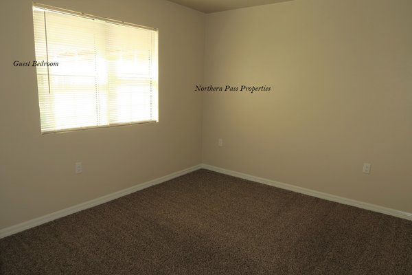 Just Reduced!! Spacious 2 Bedroom Apartment! in REmilitary