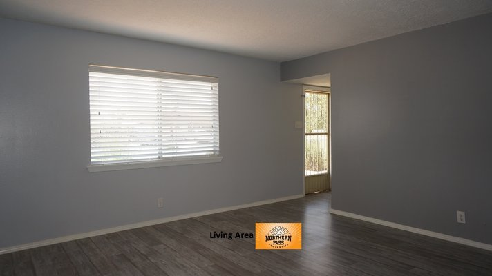 Beautiful 3 Bdrm Westside Home w/ Refrigerated AC in REmilitary