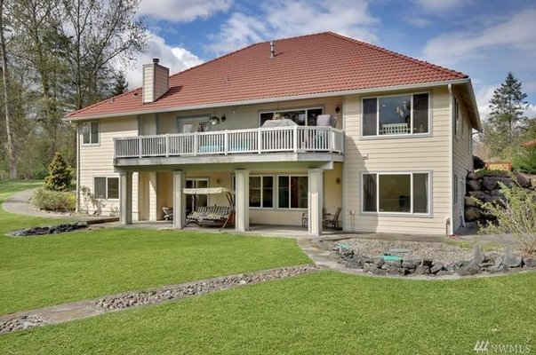 Stunning Nisqually River Home in REmilitary