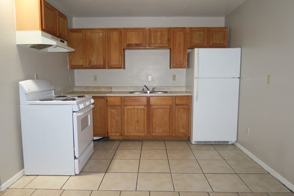 Cozy 2 Bedroom Apartment! in REmilitary