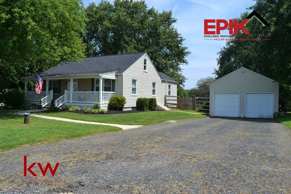 Updated Cap Cod on an ACRE! in REmilitary