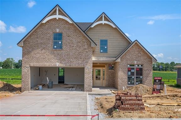 Beautiful Open Floor Plan! 4Beds/3Baths! in REmilitary