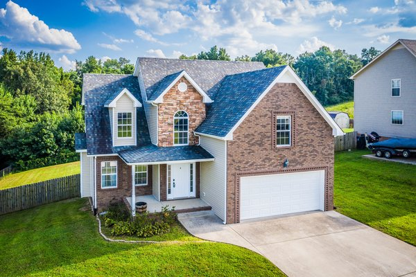 Gorgeous Home on Huge Tree Lined Lot in REmilitary