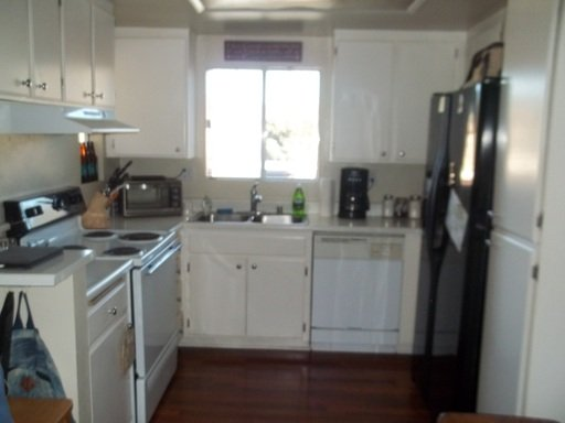 Cozy 1 Bedroom, Community Pool Pets OK! in REmilitary
