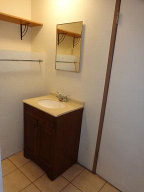 Cute Oceanside Studio, Walking distance to Harbor in REmilitary