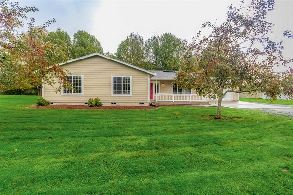 Class never goes out of style! 4BR/2BA on 2 Acres! in REmilitary