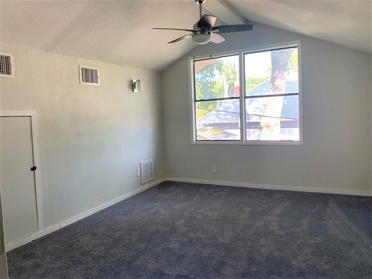 3/2! 2 living areas! in REmilitary