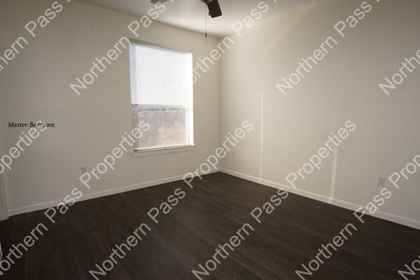 Nice 2 Bedroom Apartment ready for Immediate Move in REmilitary