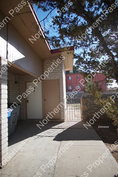 2 Bedroom Duplex with Yard! in REmilitary
