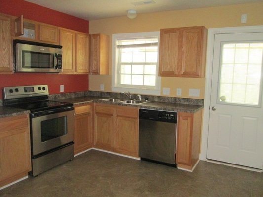 FOR RENT 106 Springwood Drive in REmilitary