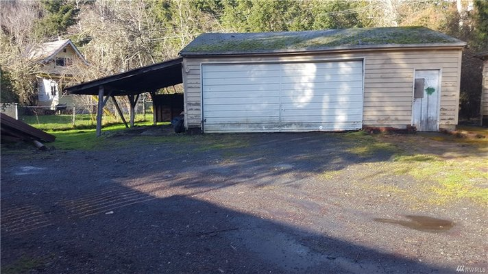 Lot with 2 car garage in The Olympic Canal Tracts! in REmilitary