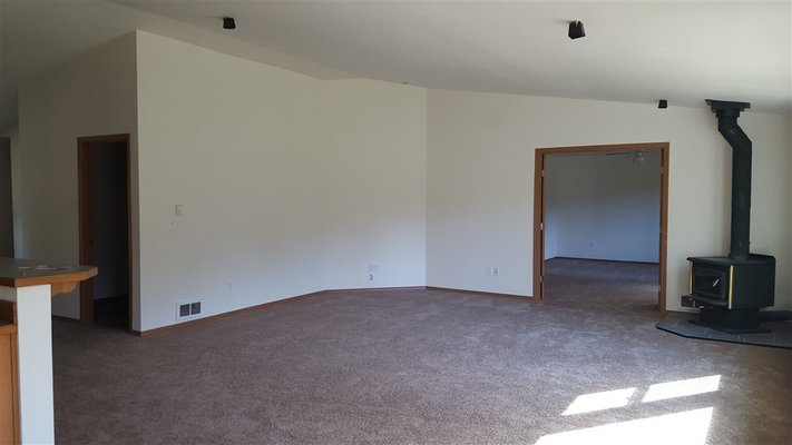 You'll love the layout! Fresh Paint & New Carpet! in REmilitary