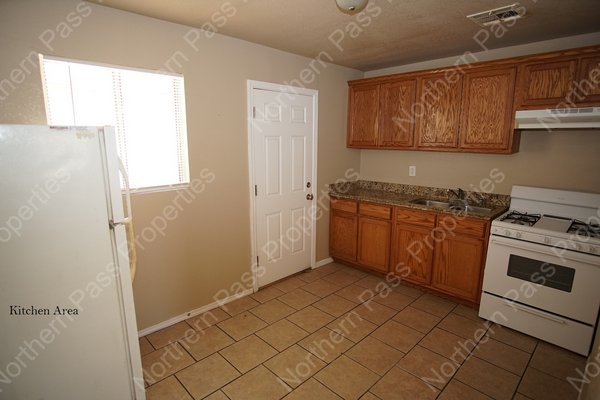 Cozy 2 BDR Apt, Ready for Immediate Move In!! in REmilitary