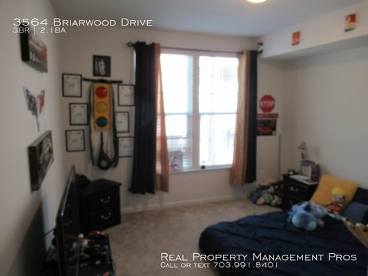 3564 Briarwood Drive Dumfries, VA 22026 in REmilitary