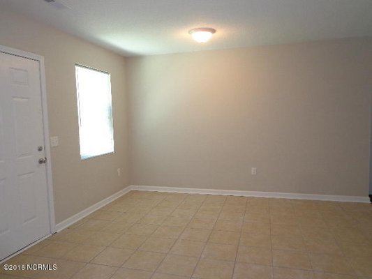 For Rent: 115 Meadowview Rd #1 in REmilitary
