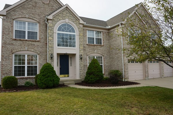 Stately 4 bdrm/finished basement in REmilitary