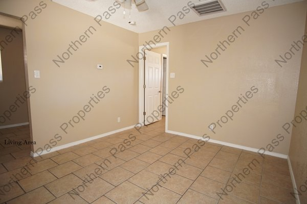 Cozy 1 BDR Apt, Ready for Immediate Move In!! in REmilitary
