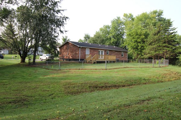 Ranch home with 3 bedrooms, 1.5 baths in REmilitary