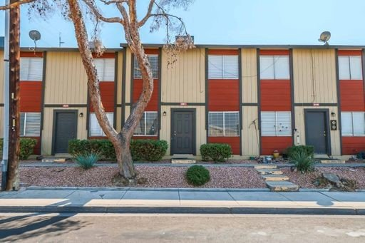 CUTE UPGRADED 2 BEDROOM TOWNHOUSE. in REmilitary