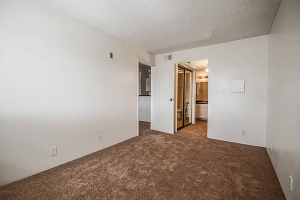 COZY 1 BEDROOM NEAR UNLV! in REmilitary