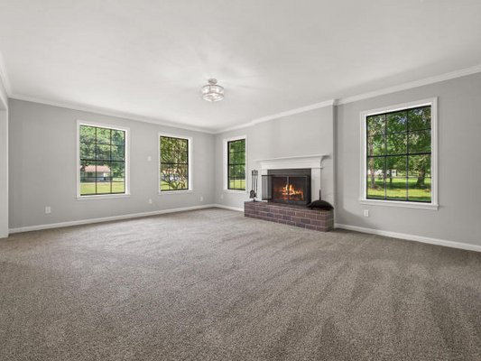 176 Country Club Circle in REmilitary