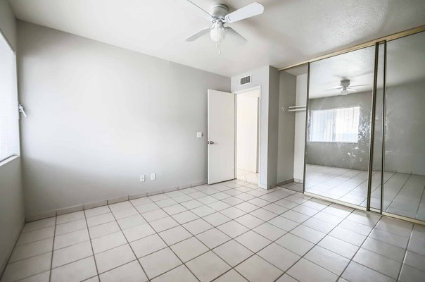 CUTE 2 BEDROOM CONDO! in REmilitary