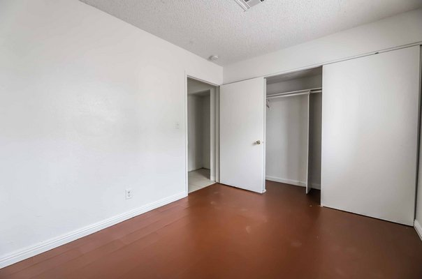 CUTE 2 BEDROOM UNIT in REmilitary