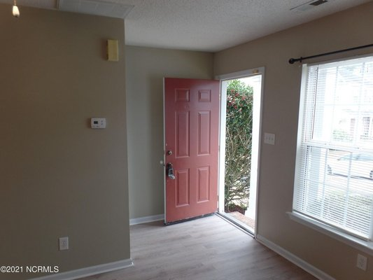 For Rent: 111 Woodlake Ct in REmilitary