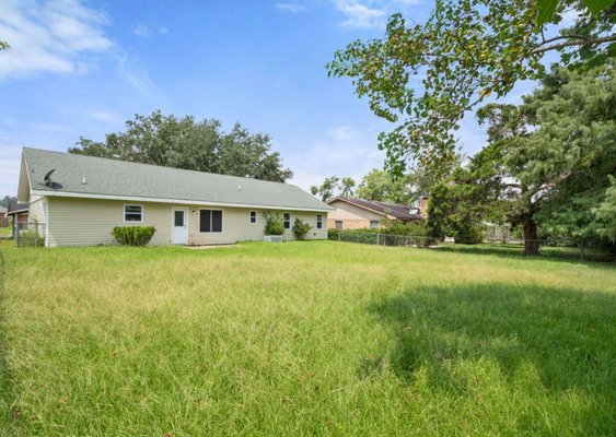 2104 Peach St in REmilitary