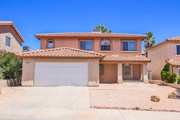 Stunning Home with 4 Bedrooms! in REmilitary