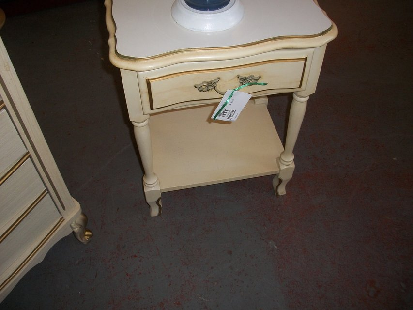 Night Stands Furniture Home For Sale On Cherry Point Yard Sales