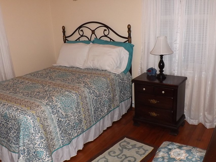 Full Bedroom Set Furniture Home For Sale On Cherry